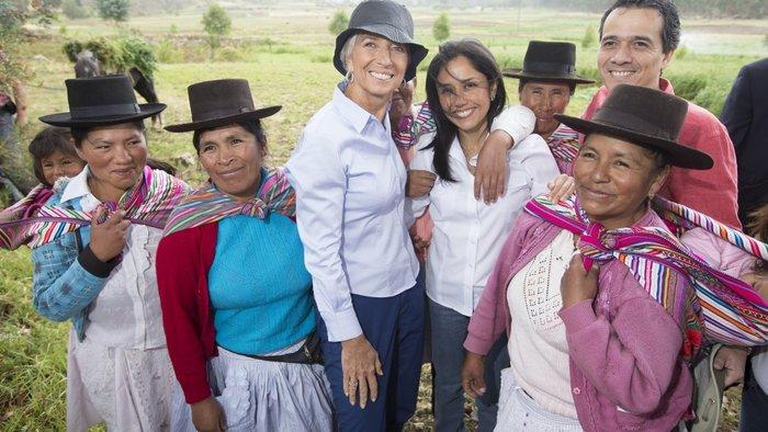 Δείτε τον «διαβολεμένο χορό» της Λαγκάρντ στο Περού - εικόνα 7