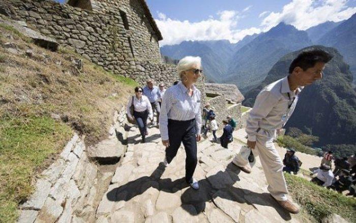 Δείτε τον «διαβολεμένο χορό» της Λαγκάρντ στο Περού - εικόνα 11