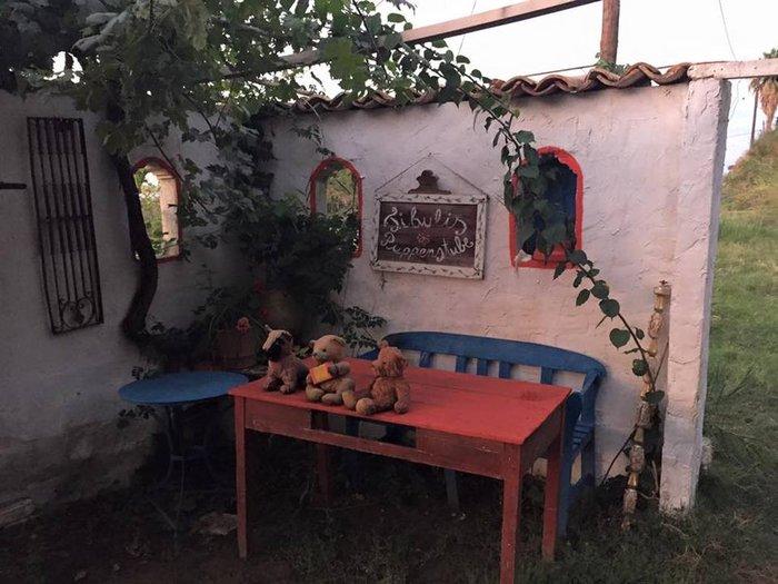 Το «στοιχειωμένο» ελληνικό χωριό όπου ζουν μόνο κούκλες! - εικόνα 8