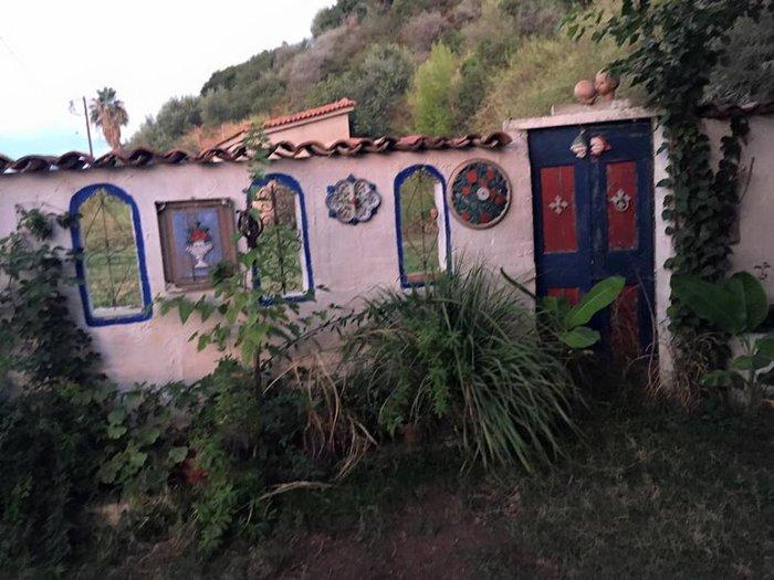 Το «στοιχειωμένο» ελληνικό χωριό όπου ζουν μόνο κούκλες! - εικόνα 9