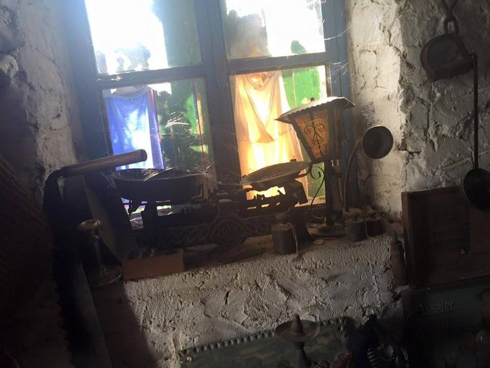 Το «στοιχειωμένο» ελληνικό χωριό όπου ζουν μόνο κούκλες! - εικόνα 13