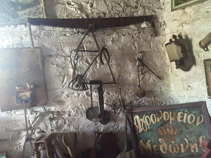Το «στοιχειωμένο» ελληνικό χωριό όπου ζουν μόνο κούκλες! - εικόνα 14