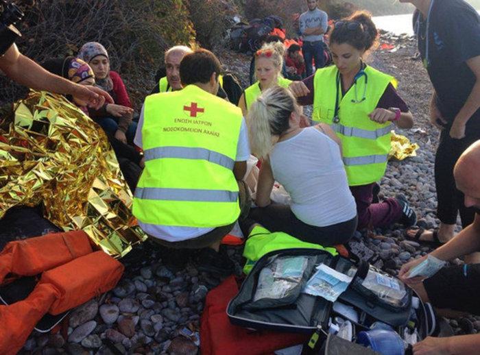 Συγκίνηση: Νεαρή πρόσφυγας γεννά στην ακτή της Λέσβου - εικόνα 2