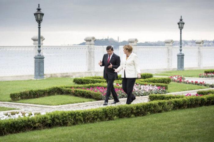 Η Μέρκελ ανοίγει πάλι την πόρτα της ΕΕ στην Τουρκία - εικόνα 2