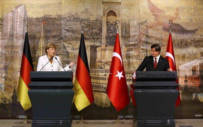 Η Μέρκελ ανοίγει πάλι την πόρτα της ΕΕ στην Τουρκία