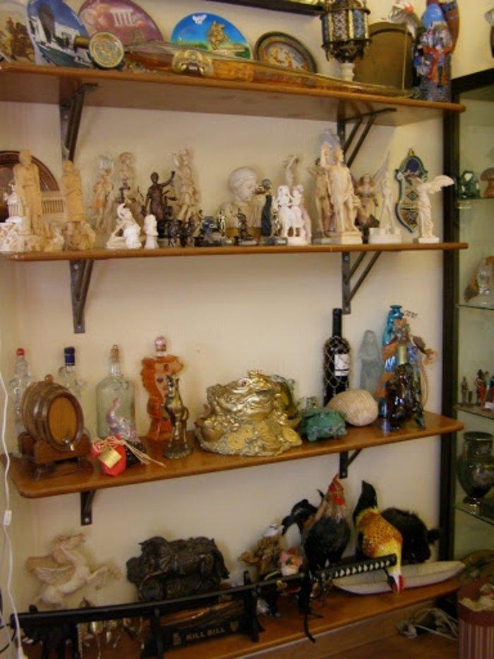 Ο Μπουτάρης κάνει το κιτς ...cult με απίστευτη συλλογή στο Γιαννακοχώρι - εικόνα 5