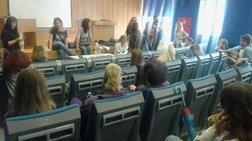 «Εισβολή» αναπληρωτών καθηγητών στο υπουργείο Παιδείας, αρνούνται να φύγουν