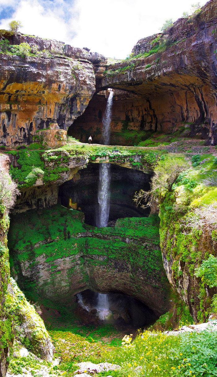 Μαγικές εικόνες: Το σπήλαιο που μετατρέπεται σε καταρράκτη κάθε Ανοιξη