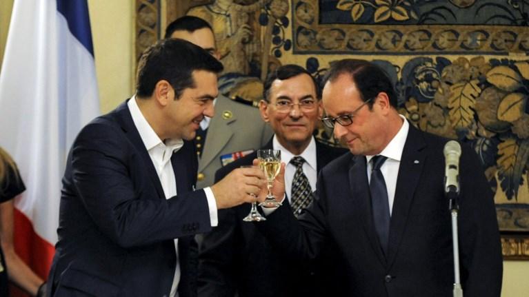 ti-dwro-efere-apo-to-parisi-o-olant-ston-tsipra