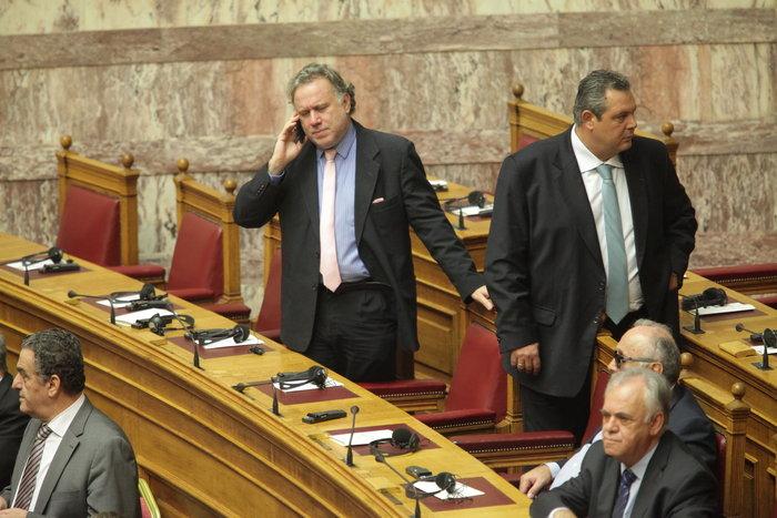 Η Βουλή περίμενε μιάμιση ώρα τον Ολάντ - εικόνα 4