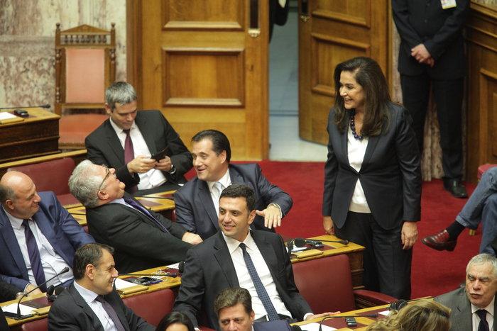 Η Βουλή περίμενε μιάμιση ώρα τον Ολάντ - εικόνα 6
