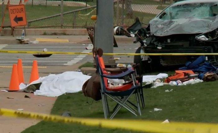 Μεθυσμένη οδηγός σκορπά τον θάνατο σε παρέλαση στην Οκλαχόμα (βίντεο)