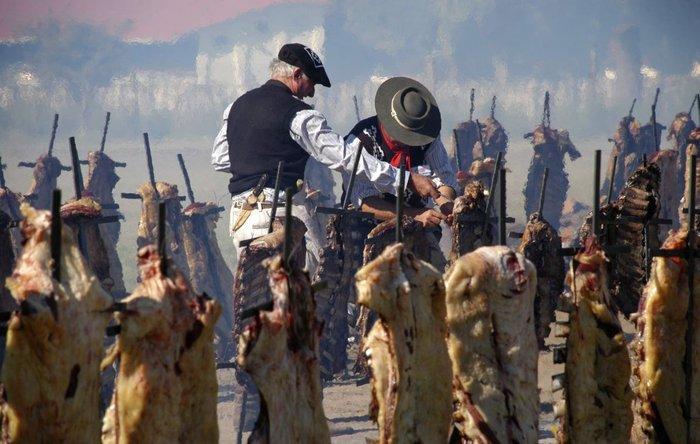Το μεγαλύτερο μπάρμπεκιου του κόσμου: 30.000 άνθρωποι έψησαν 13.713 κιλά κρέας