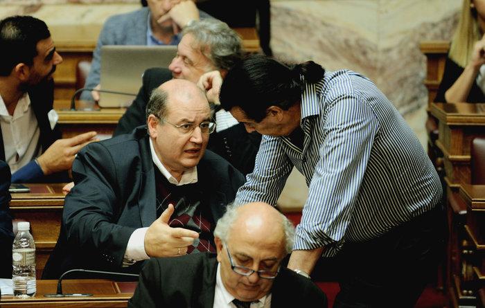 Aδειάζει Φίλη ο Κουράκης: ΦΠΑ σημαίνει απολύσεις για πολλούς εκπαιδευτικούς