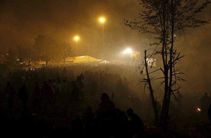Χιλιάδες πρόσφυγες στα σύνορα Σλοβενίας - Αυστρίας - εικόνα 10