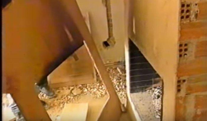 Σπάνιο βίντεο: Η Αλίκη κόντεψε να καεί ζωντανή στο σπίτι το 1995 - εικόνα 2