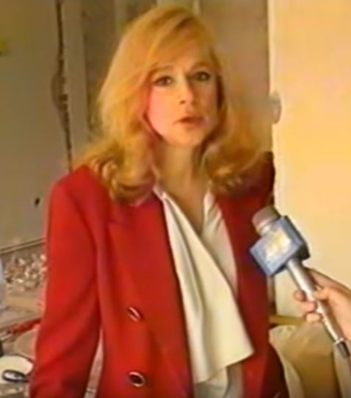 Σπάνιο βίντεο: Η Αλίκη κόντεψε να καεί ζωντανή στο σπίτι το 1995 - εικόνα 4