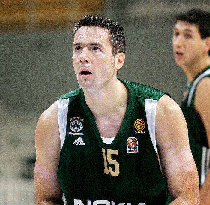 Ντέγιαν Τομάσεβιτς