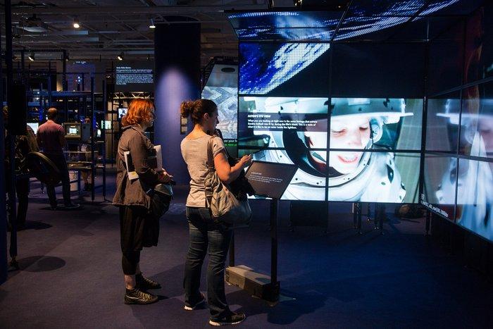Digital Revolution στη Στέγη: Μια έκθεση που σου... καίει το μυαλό