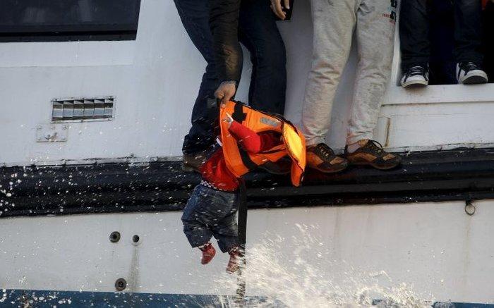 Ψαράδες του Αιγαίου: Με άδεια τελάρα αλλά γεμάτη ψυχή