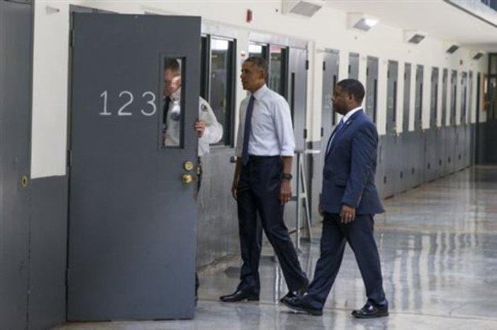 Στις φυλακές Διαβατών και στα βήματα του... Ομπάμα ο Αλέξης Τσίπρας