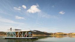 Εντυπωσιακές εικόνες: Το ηλιόλουστο, πλωτό σπίτι που ταξιδεύει όπου θέλετε!