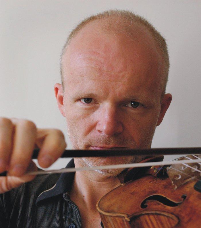 Ο βιολονίστας Τόμας Τσέτμαϊρ
