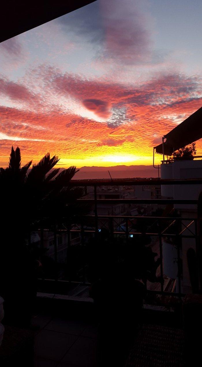 Οταν ένας ουρανός - πίνακας ζωγραφικής σκέπασε την Αθήνα [Εικόνες] - εικόνα 9