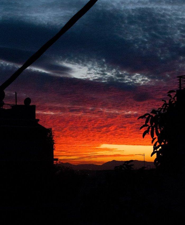 Οταν ένας ουρανός - πίνακας ζωγραφικής σκέπασε την Αθήνα [Εικόνες] - εικόνα 10