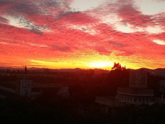 Οταν ένας ουρανός - πίνακας ζωγραφικής σκέπασε την Αθήνα [Εικόνες] - εικόνα 16
