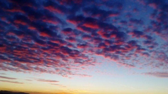 Οταν ένας ουρανός - πίνακας ζωγραφικής σκέπασε την Αθήνα [Εικόνες] - εικόνα 17