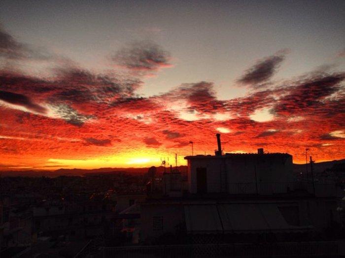 Οταν ένας ουρανός - πίνακας ζωγραφικής σκέπασε την Αθήνα [Εικόνες] - εικόνα 20