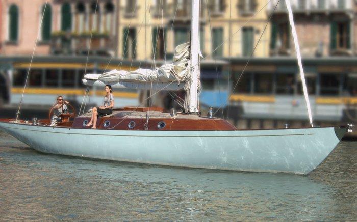 Πωλείται η μαγευτική θαλαμηγός του Τζέιμς Μποντ - εικόνα 2