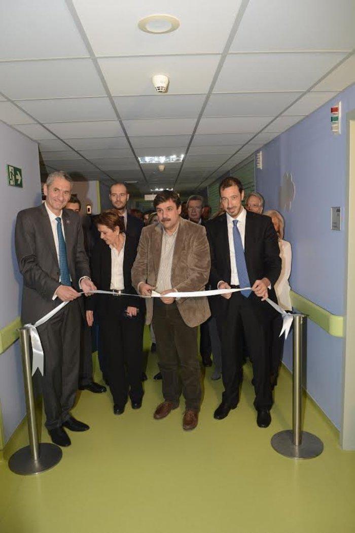 """Εγκαίνια νοσοκομείου """"Η Αγία Σοφία""""(από αριστερά) κ. Καμίλ Ζίγκλερ, Πρόεδρος και Διευθύνων Σύμβουλος της ΟΠΑΠ, Ανδρέας Ξανθός, Υπουργός Υγείας, κ. Εμμανουήλ Παπασάββας, κοινός Διοικητής των Διασυνδεόμενων Νοσοκομείων"""