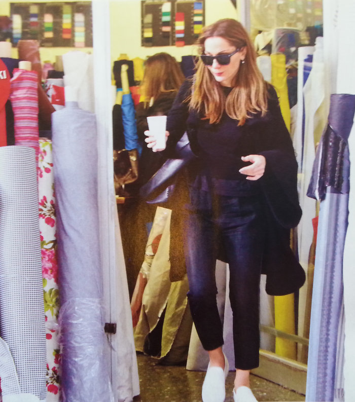 Κάντο όπως η Μπέκαμ: Η Δέσποινα Βανδή είναι επίσημα σχεδιάστρια μόδας