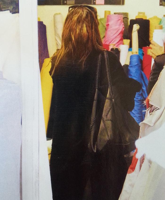 Κάντο όπως η Μπέκαμ: Η Δέσποινα Βανδή είναι επίσημα σχεδιάστρια μόδας - εικόνα 2