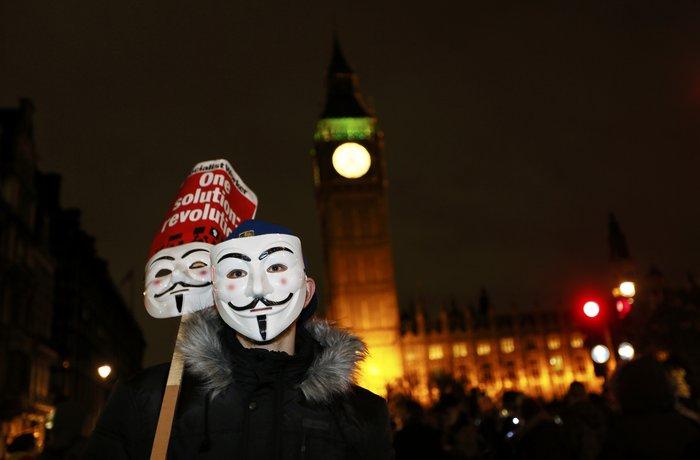 Γυαλιά καρφιά στο Λονδίνο στην πορεία των Anonymous