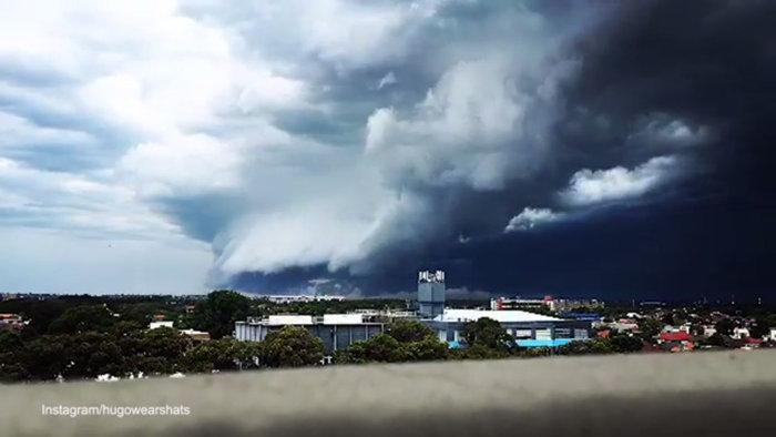 Τεράστιο σύννεφο τρόμαξε τους πάντες στην Αυστραλία [Βίντεο] - εικόνα 2