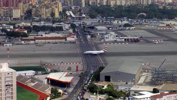 Οι πιο τρομακτικοί διάδρομοι προσγείωσης στον κόσμο