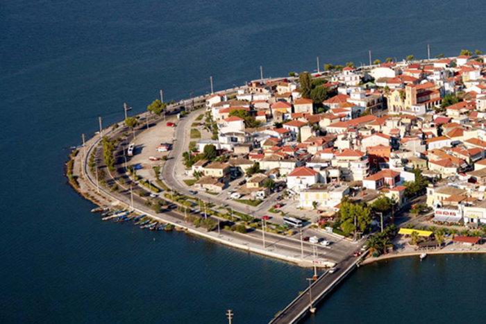 Ομορφιά βγαλμένη από καρτ ποστάλ: Αυτή είναι η μικρή Βενετία της Ελλάδας - εικόνα 3