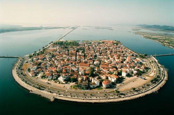 Ομορφιά βγαλμένη από καρτ ποστάλ: Αυτή είναι η μικρή Βενετία της Ελλάδας