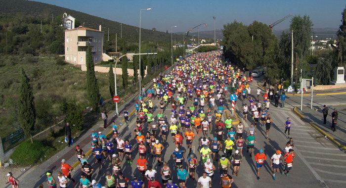 Γιορτή στους δρόμους της Αθήνας με 43 χιλιάδες δρομείς - εικόνα 12