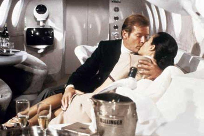 Bollinger – η σαμπάνια του James Bond από το 1973 - εικόνα 2