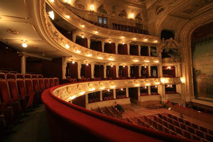 Κίνημα στη Γαλλία κατά της ανακαίνισης της Όπερας Γκαρνιέ