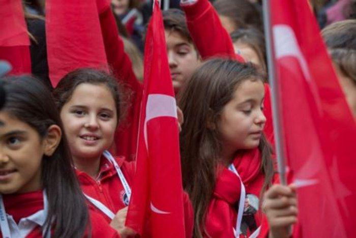 Προσκύνημα Τούρκων στο σπίτι του Κεμάλ στη Θεσσαλονίκη - εικόνα 2
