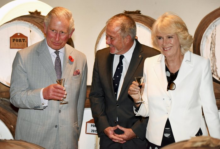 Η Καμίλα απείλησε δημοσίως με μαχαίρι τον πρίγκιπα Κάρολο - εικόνα 4