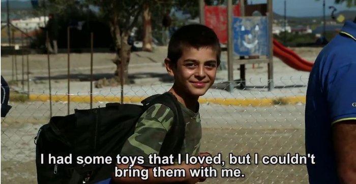 Ποιος θα γίνει φίλος μου τώρα; Προσφυγόπουλο της Λέσβου συγκίνησε τον κόσμο - εικόνα 3