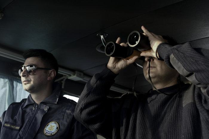 Ετσι ψάχνει το λιμενικό τους πρόσφυγες στη Λέσβο - Καρέ καρέ η έρευνα - εικόνα 4