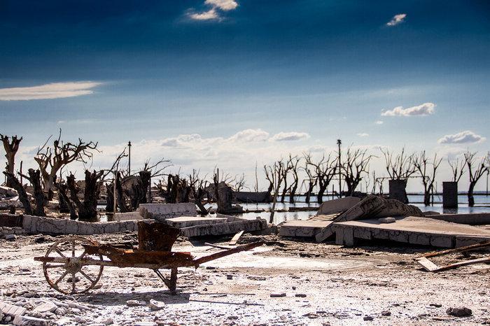 Πόλη φάντασμα «πνιγμένη» για 25 χρόνια, αναδύεται ξανά - εικόνα 5