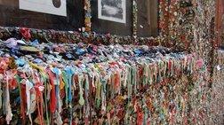 Καθάρισε από τις τσίχλες ο ιστορικός τοίχος του Σιάτλ